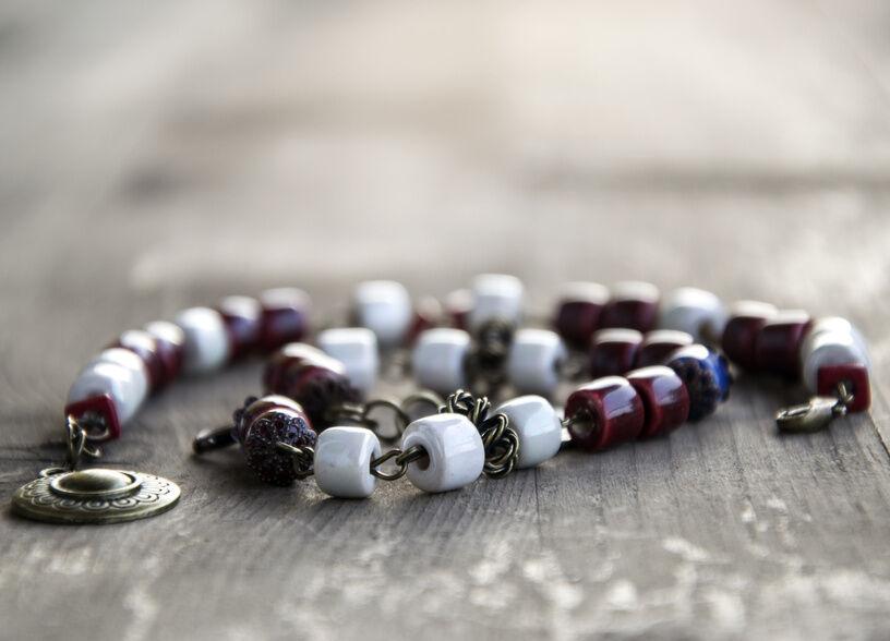 Great Looks to Wear with Beaded Bracelets