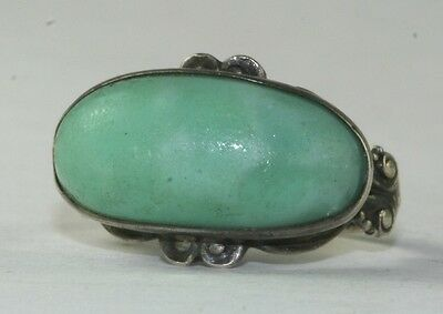 EDWARDIAN ANTIQUE GREEN ART GLASS STERLING SILVER RING SIZE 3.5