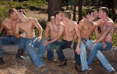 Shirtless Male Muscular Chest Beefcake Group Kiss Gay Interest PHOTO 4X6 F1305 (Kiss Group Photo)