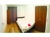 A SUPERB 2 double rooms with balcony by Canada Water/Surrey Quays stations