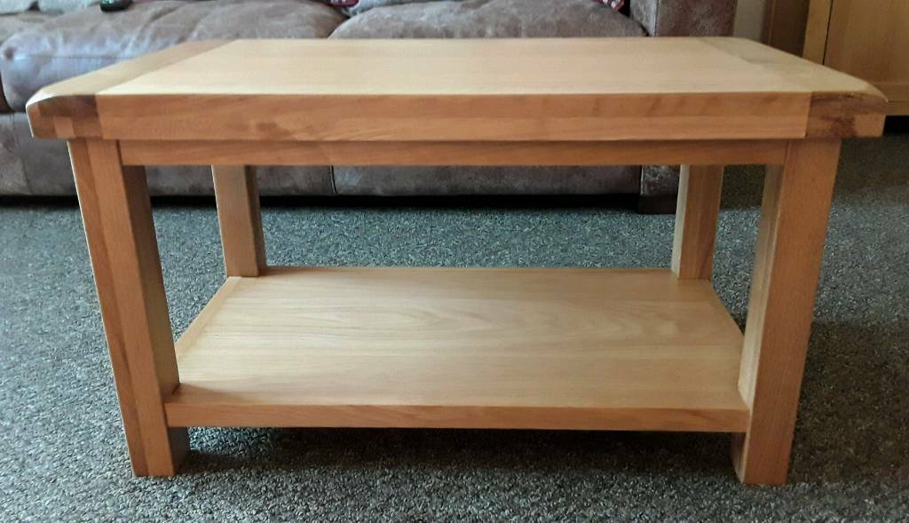 Solid Beaufort chunky thick coffee table with shelfin Sunderland, Tyne and Wear - Solid Beaufort chunky thick coffee table with shelf for sale.ONLY HAD IT 4 WEEKS PAID £140 FOR IT NEW.only selling because didnt realise new sofas were so big H 45cm L80cm W45cm