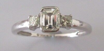 Secondhand 18ct White Gold Single Baguette 0.25ct Multi Cut Diamond Ring Size K