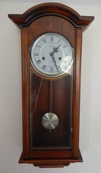 Vintage Style Lincoln 31 Day Wind Up Wall Clock In Wooden