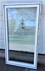 1 Fenêtre en aluminium 30''3/4 x 55''1/2 à vendre