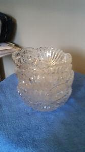4 beautiful crystal snack bowls