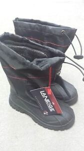 BRAND NEW BOOTS FOR KIDS