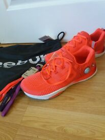 Ladies size 8 Reebok trainers