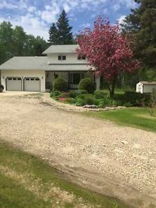Beautiful Acreage 5 Minutes From Hudson Bay Town!