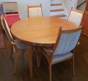 Teak wood Table, 4 chairs and Hutch