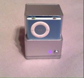 iPod Shuffle 2GB with dock/speaker