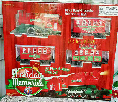 Lionel G-Gauge Train Set 32 Piece Holiday Memories Christmas