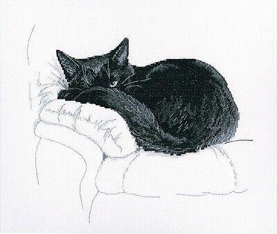 Counted Cross Stitch Kit Rto    Among Black Cats