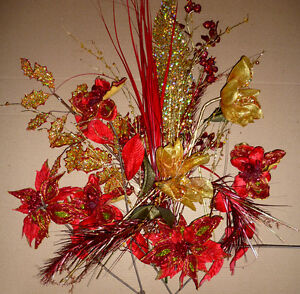 bouquet of Red and Gold Christmas flowers ... As shown Cambridge Kitchener Area image 4