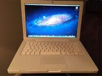Apple MacBook A1181 2.4Ghz Intel Processor, 2GB ram, 250GB hard drive