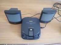 Sanyo personal CD player with portable speakers