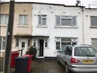 3 bedroom terraced house to rent Bath Road, Slough