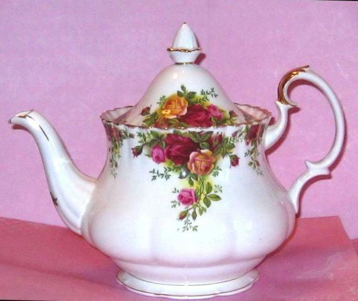 "ROYAL ALBERT ""OLD COUNTRY ROSES"" TEAPOT COFFEE TEA POT 6/8 CUPS EXC!"