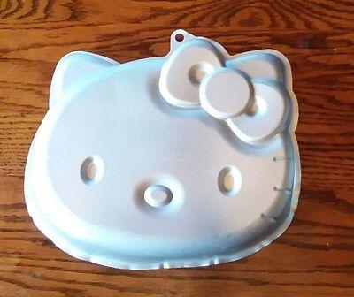 WILTON HELLO KITTY CAKE PAN   #2105-7575