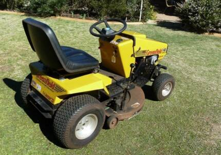 Greenfields fastcut 18.5 hp ride on mower. Warwick Southern Downs Preview
