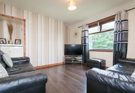 Lovely Newly Refurbished 2 Double Bedroom Flat To Rent £425 four weekly and two months as deposit