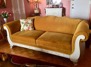 Sofa couch MINT condition