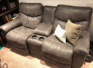 Genuine La-z-boy dual recliner couch