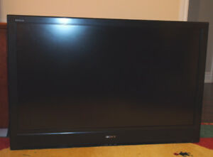 Used, Sony Bravia TV KDL-46S3000 and NEW Wall Mount for sale  Toronto