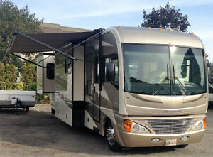2005 Fleetwood Pace Arrow 37C Motorhome