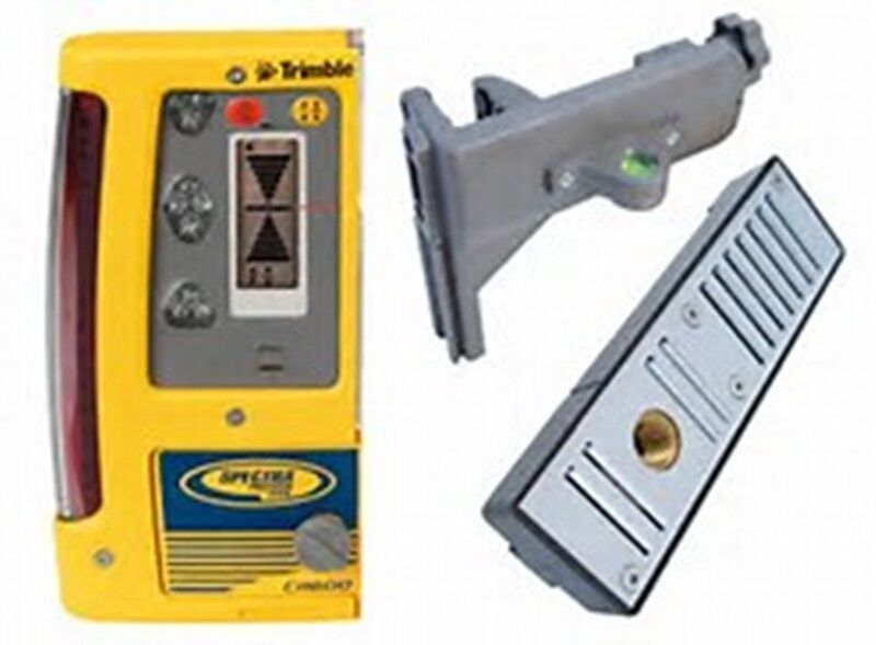 SPECTRA PRECISION CR600 LASER LEVEL RECEIVER W/ MAGNETIC MOUNT