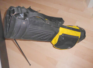 4 Golf bags $ 5 - $ 15, golf umbrella $ 5, set of golf clubs $20 Kitchener / Waterloo Kitchener Area image 2