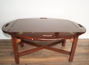 Winged coffee table