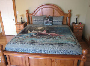 Shakespeare King Size Bedspread and Pillows