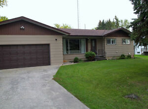 Great Family Home with Double Attached Garage for sale or rent