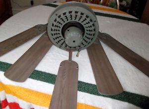 Ventilateur de style antique Vert-de-gris