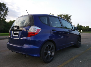 2009 HONDA FIT // MAGS (NEW TIRES) RUNS GREAT // CLEAN!!