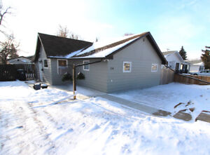 DOWNPAYMENT CASHBACK! Renovated home in Hague 25min to Saskatoon