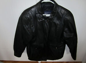 WOMAN'S LEATHER JACKET West Island Greater Montréal image 6