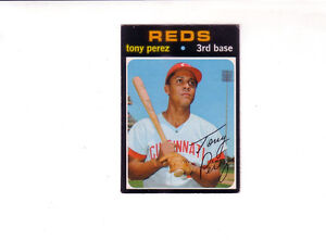 Looking to buy 1971 O-Pee-Chee Baseball Cards