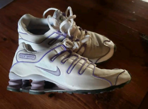 reputable site a8073 73f67 Womens Nike Shox   Kijiji in Ontario. - Buy, Sell   Save with ...