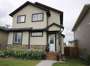 Spacious and Beautiful House for Rent (Oriole Park West,RedDeer)