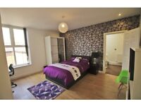 Beaconsfield Luxury 4 rooms available for Students and Professionals,BILLS INCLUDED