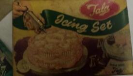 1950s Tala icing set