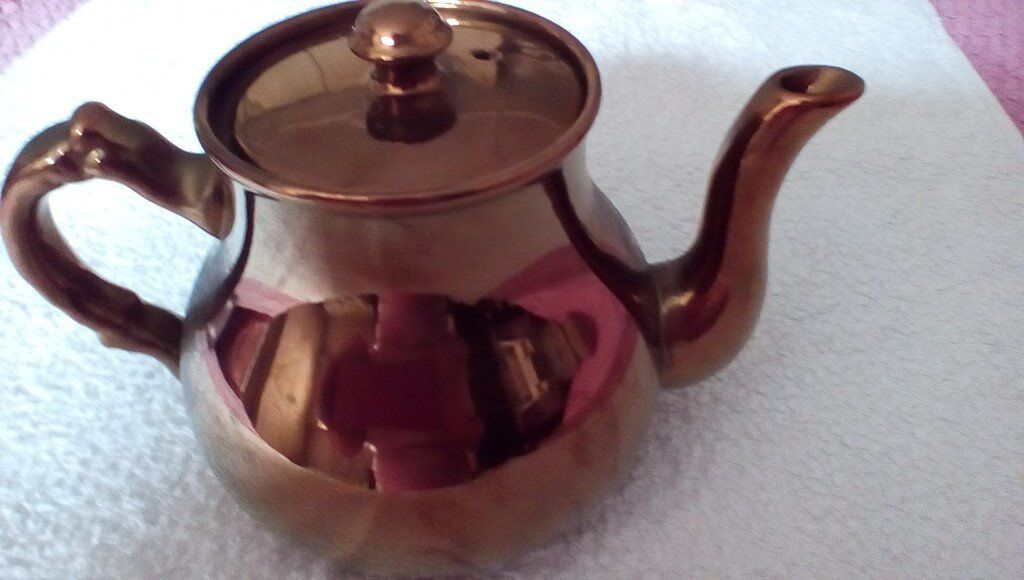 COPPER COLOURED LUSTRE TEAPOT. Good condition.