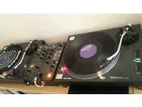 Technics sl1210 mk2 + accessories