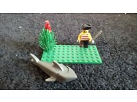 LEGO VINTAGE PIRATE, PARROT AND SHARK EXCELLENT CONDITION