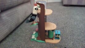 Ben and Holly elf treehouse