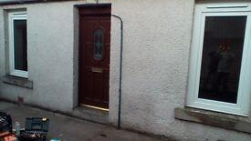 Part furnished 1 bedroom cottage central location