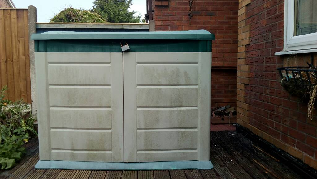 Garden tool shed plastic
