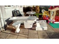 White rope bathroom suite. Owing to revamp V.G.C White bathroom suite.