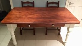 Gorgeous country kitchen table